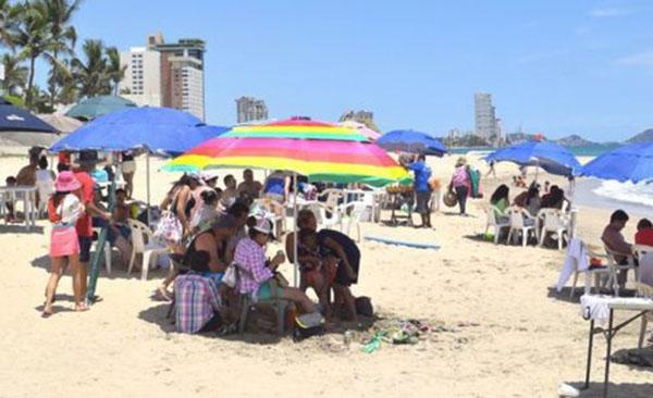 Se quejan turistas por incumplimiento de servicios