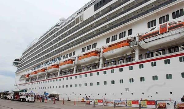 Llega crucero a Mazatlán que iba a Los Cabos