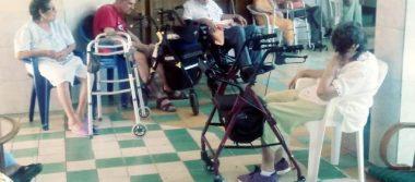Trabajan en  el Asilo de Ancianos La Inmaculada