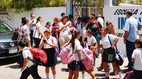 Exhorta Secretario de Educación que padres presionen a los maestros para tener clases