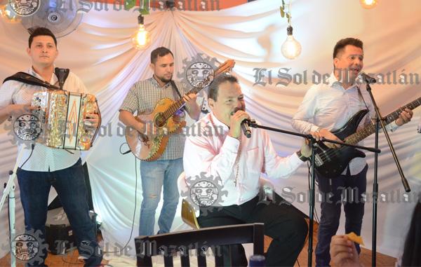 Julio Preciado realiza su nuevo video en Mazatlán