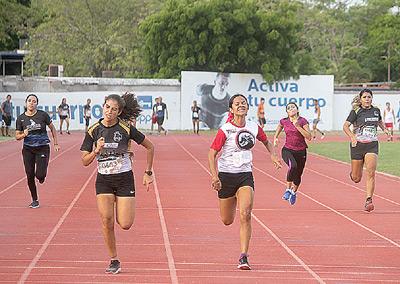 Los participantes dieron su mejor esfuerzo. Foto: Jesús Guzmán / El Sol de Mazatlán.