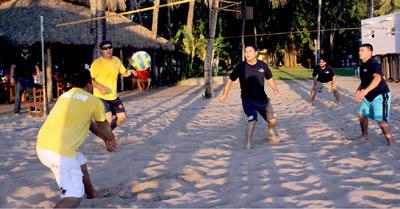 Buenos remates de bolea en el volibol de playa del Oyster. Foto: El Sol de Mazatlán / Cortesía.