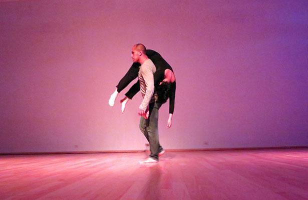 Abordan temática social e individualismo con danza contemporánea en la FUL 2015