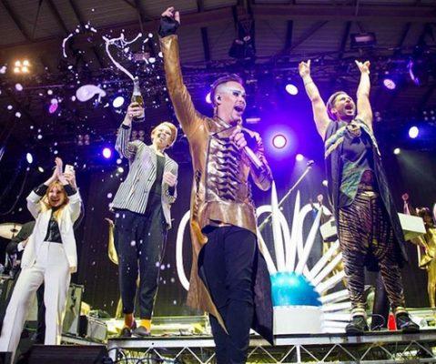 Ante 67 mil personas Empire of the Sun cierra el Hellow Festival 2015