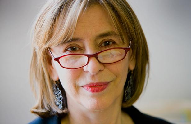 Azar Nafisi, leer en Teherán / Profesión Escritora / Andrea Balanzario