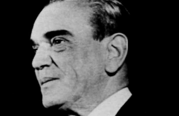 Los Trescientos y algunos más / Carlos González Gamio