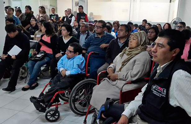 Integrará el GDF a personas con discapacidad a labores administrativas