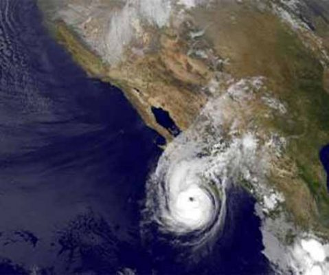 Huracán Jimena alcanza la categoría 4 alejándose de las costas mexicanas