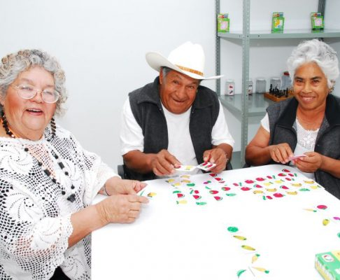 Adultos mayores deben mantener actividad física, recomienda geriatra