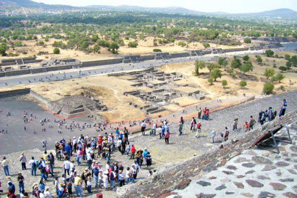 Arribaron visitantes  a Teotihuacán