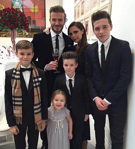 Polémica con David Beckham por besar a su hijita en la boca