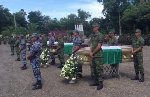 Acudieron familiares de los soldados abatidos / Foto: @SEDENAmx