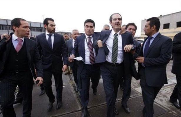Padrés reapareció para aclarar su situación ante la justicia. Foto: El Sol de Hermosillo