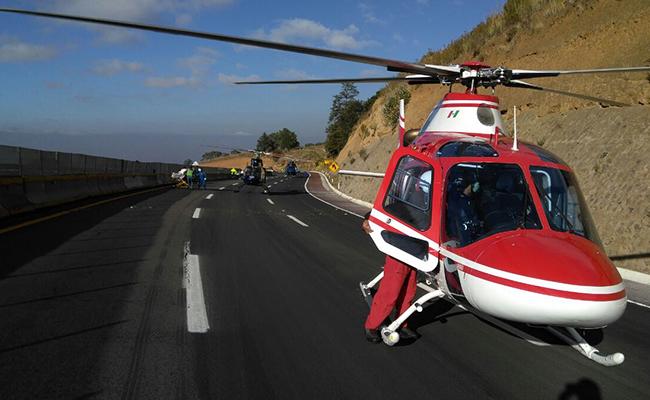 Llegó equipo aéreo a brindar atención a los lesionados. Foto: Oscar García / El Sol de Cuautla