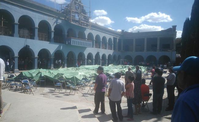 Pobladores reventaron la asamblea en Ánimas Trujano. Víctor Castillo / corresponsal