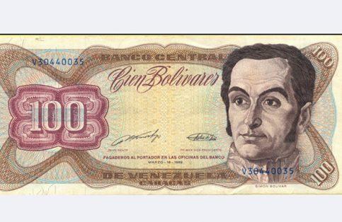 Nicolás Maduro anunció que los billetes de 100 bolívares quedarán sin valor en los próximos días.