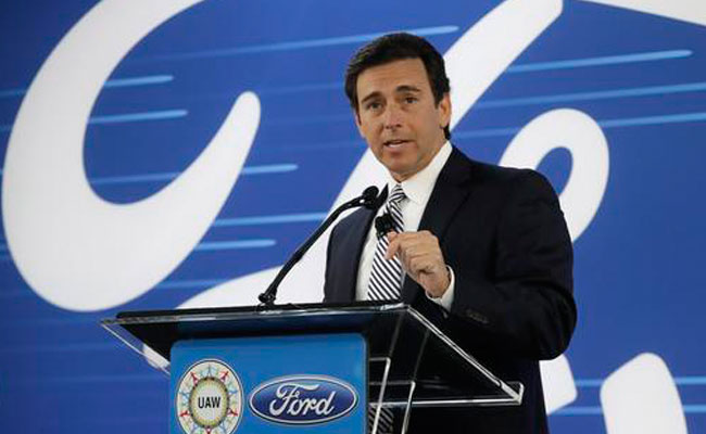 """El CEO de Ford desmintió que la retirada de la entidad fuera un """"trato especial"""" con Donald Trump. Foto: AP"""