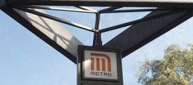 Vagabundo avienta a mujer a las vías del Metro