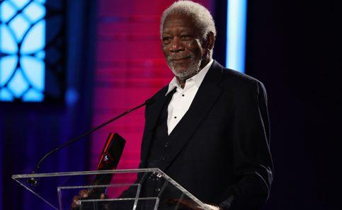 Morgan Freeman recibe premio honorífico por destacada carrera. Foto: AP