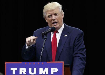 Candidato a la República Donald Trump habla durante un evento del ayuntamiento en Columbus, Ohio. Foto: AP