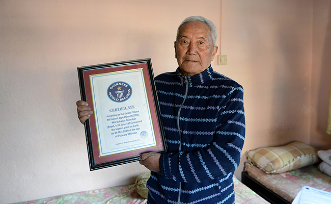 Certificado del libro Guinness. Foto: AFP