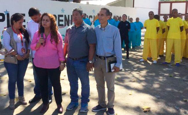 La diputada venezolana Iris Varela, al centro de la imagen. Foto: Twitter @irisvarela