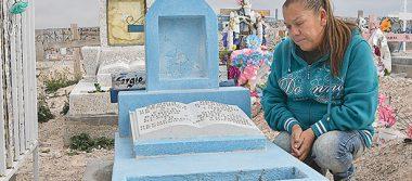 """""""Justicia"""" implora madre de muchacho mexicano muerto en la frontera"""