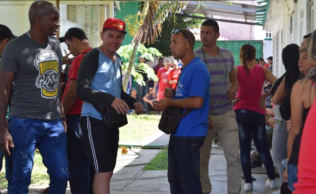 """Tras política en Estados Unidos, cubanos buscan el """"sueño mexicano"""""""