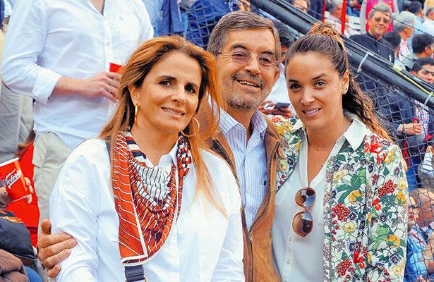 ROCÍO GÓMEZ, Juan Ramón y Mariana de la Fuente.
