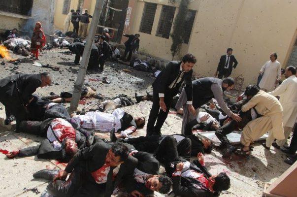 1er lugar: Pakistan Bomb Blast. Jamal Taraqai, Pakistan, European Pressphoto Agency.