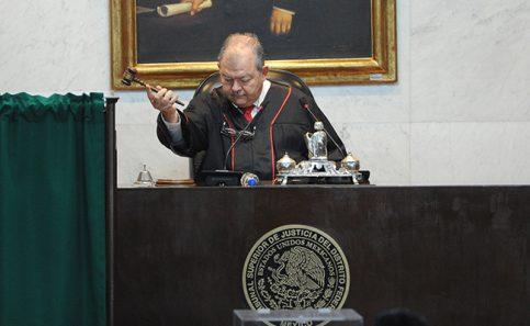 El todavía presidente del Tribunal Superior de Justicia capitalino, Edgar Elías Azar