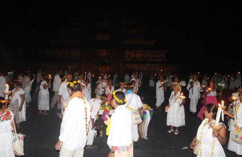 Los Abuelos del Kantiyán, del Consejo de la Sabiduría Ancestral y del Centro de las Artes Indígenas, encabezaron la ceremonia que se prolongó hasta las primeras horas de este viernes.