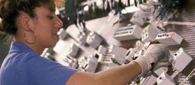 Mujeres dominan empleos públicos en países de OCDE