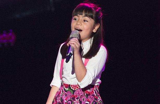 SARA DONG conquistó con su voz al equipo de Emmanuel y Mijares.