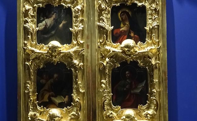 Iconostasio de la iglesia de Santa Catalina.