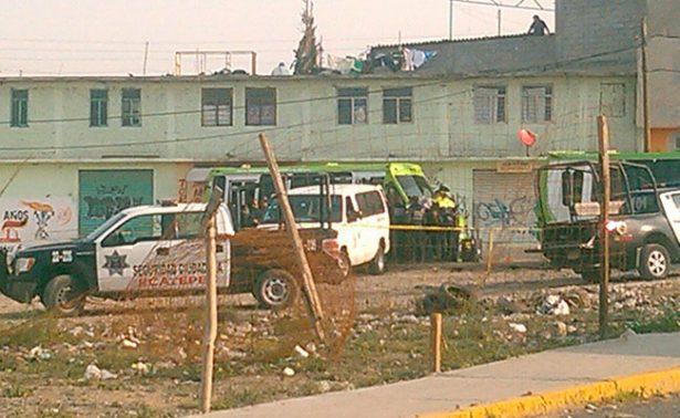 Balean base de autotransportes en Ecatepec; un muerto y un herido