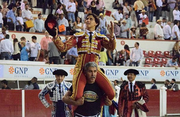EL peruano abrió la puerta grande antes de volver a España.