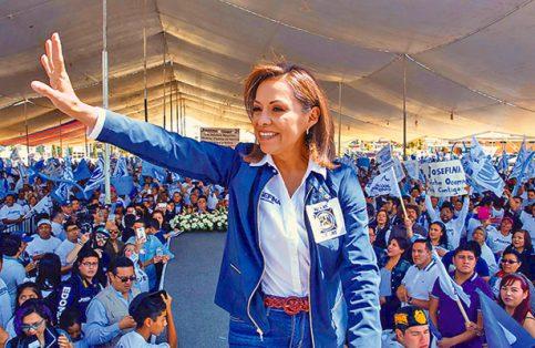 LA PANISTA Josefina Vázquez Mota se comprometió a fomentar el deporte, abrir nuevos y recuperar parques para la convivencia familiar.