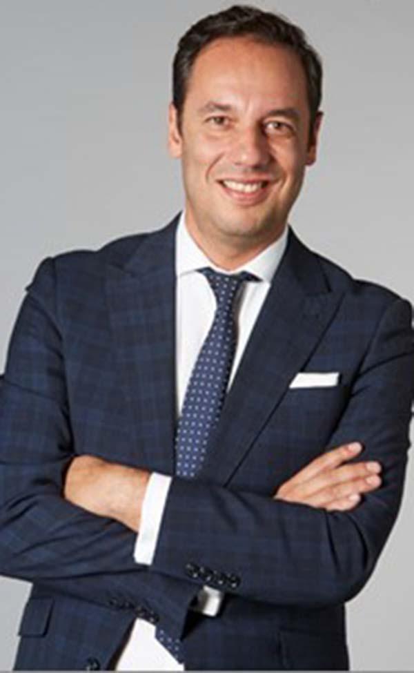 Roberto Sada, director de Comunicación, Relaciones Públicas y Responsabilidad Social de Avon