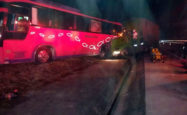 Seis lesionados por choque en Autopista del Sol