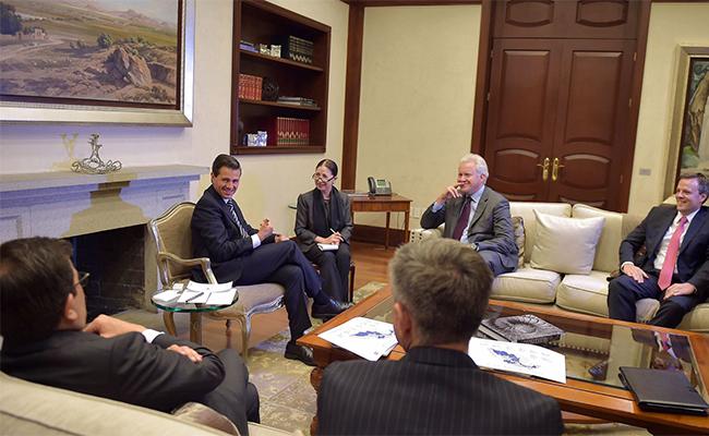 Se reúne Peña Nieto con presidente de General Electric