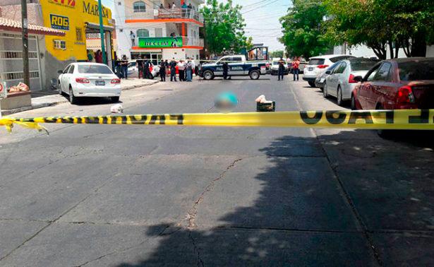 Desconocidos interceptaron su automóvil y dispararon contra el reconocido periodista y escritor. Foto: Cortesía