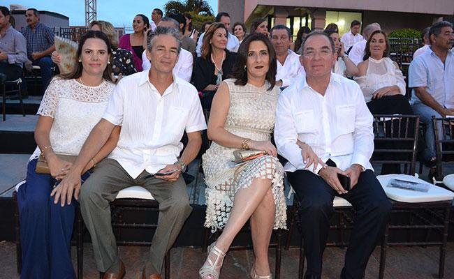 VIRIDIANA DE Lersundy, Juan Carlos Lersundy, Rebeca Zorrilla de Ruiz y Raúl Ruiz. Foto: Cortesía @HUGOLHERNANDEZ