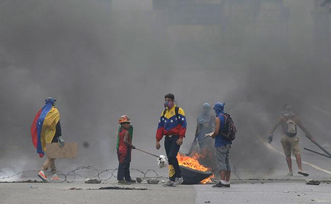 Maduro enfrenta una ola de protestas desde el pasado 1 de abril que exigen su salida del poder. Foto: AP