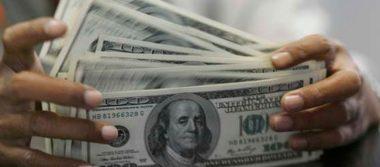Dólar continúa a la baja, se vende en 18.42 pesos en bancos capitalinos
