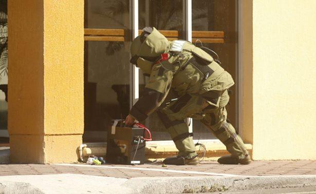Semar y Protección Civil desalojan dos hoteles en Veracruz