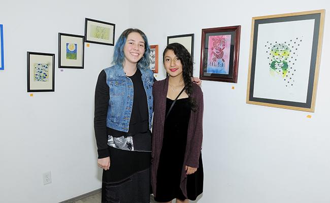 MURIEL URIBE y Ana Laura Olguín
