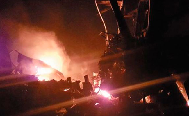 Choque entre autobús y tráiler deja 7 calcinados en Tamaulipas