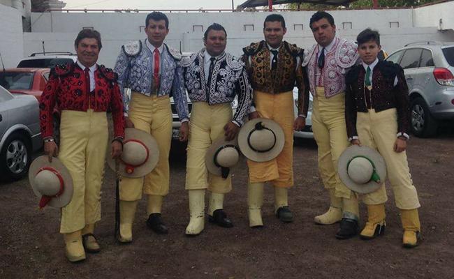 Don Ricardo Morales, César Morales, Jorge Morales, Ërick Morales, Omar Morales y Daniel Morales